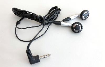 Sluchátka - pecky do uší (nové, nepoužité)