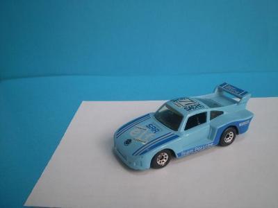 MATCHBOX - 41 RACING PORSCHE 935  - MACAU