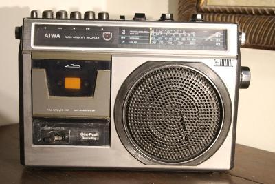 AIWA TPR -180E- Radiomagnetofon na ND