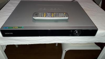 DVD rekordér Sencor SHR-9225T, 250GB na náhradní díly.