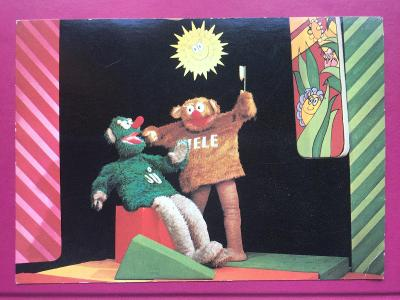 JŮ a HELE z roku 1986 velikost 10,5 x 14,7 cm
