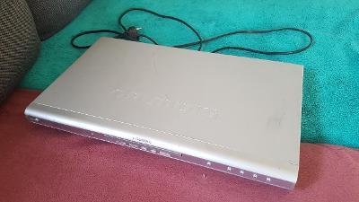 Grundig GDP 2750 silver DVD přehrávač - AKCE 4+1!