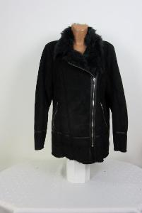 Krásná černá bunda s kožíškem F&F vel: EU46