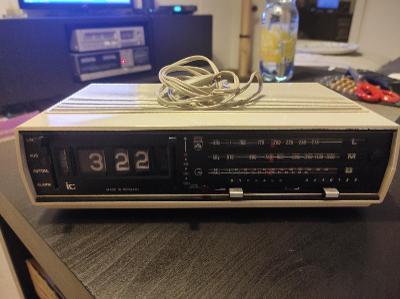 Radiobudík Grundig