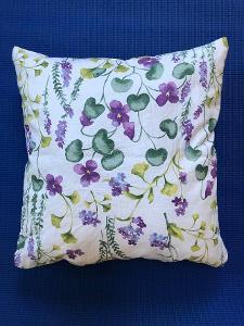 Polštář s obsahem levandulového květu - cca 45 cm - fialové květy