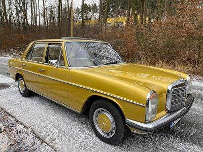Mercedes W 115 r.v. 1974