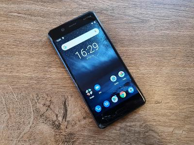 Mobilní telefon Nokia 5 (TA-1024), čtěte