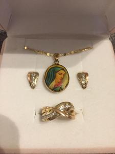Souprava zlatých šperků