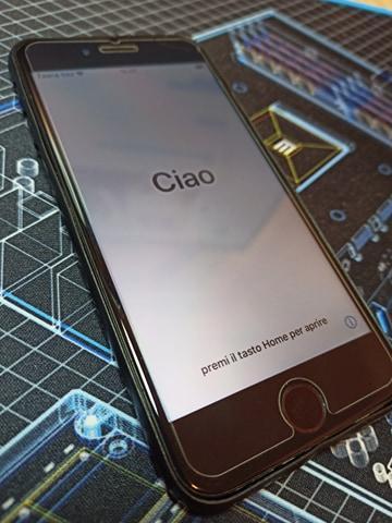 iPhone 7 128GB černý - plně funkční, odhlášený iCloud