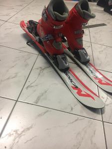 Dětské lyže s lyžáky