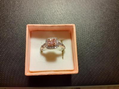 Stříbrný prsten - růžový