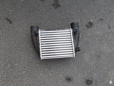 Audi A4 r.v. 10/00-12/07 PRAVÝ INTERCOOLER 2.0I (±A,±AC), 2.0TDI