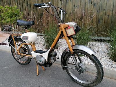 Zajímavý starý moped, motorka BENELLI 49ccm3 motor G.O.BEN. veteran