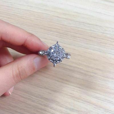 Prsten postříbřený s kamenem white sapphire vel.58