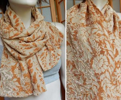 Šátek se sametovým vzorem 27x141pšeničně hnědý oboustranný dvojitý