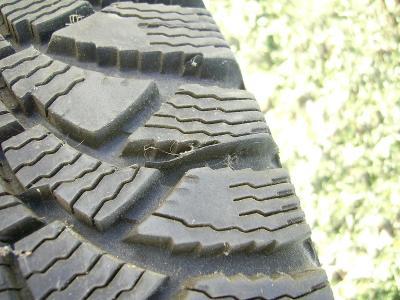 185/65 R14 včetně disků FABIA 5J x 14 H2 ET35,4kusy zimní pneu VRANÍK