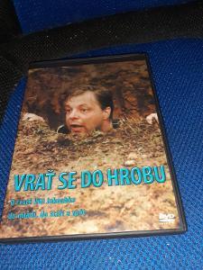 DVD Vrať se do hrobu v plastovém obalu.