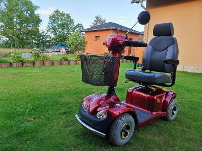 Skútr pro seniory a invalidy