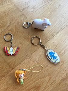 4x přívěšek ...ovečka, medvídek, panenka, motýlek