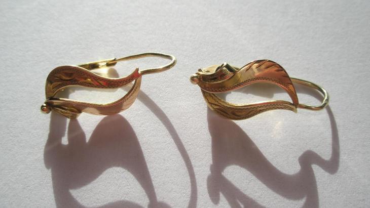 Zlaté náušnice  - Šperky