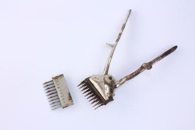 Starý holící strojek mechanický