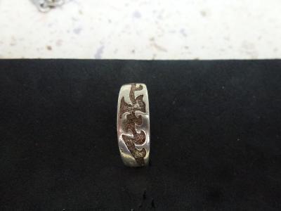 Starý stříbrný prsten