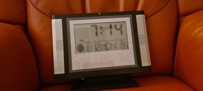 Meteostanice s hodinami