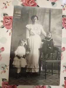 Fotopohlednice, R-U, žena a děti