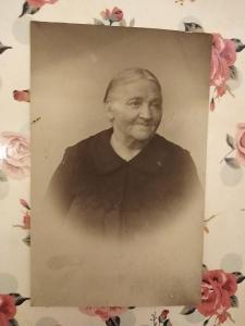Fotopohlednice, R-U, žena, babička