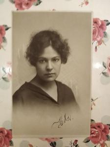 Fotopohlednice, R-U,1.světová, žena, 1918
