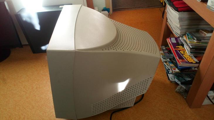 """Nefunkční 17"""" CRT monitor Relisys TF785 - Historické počítače"""