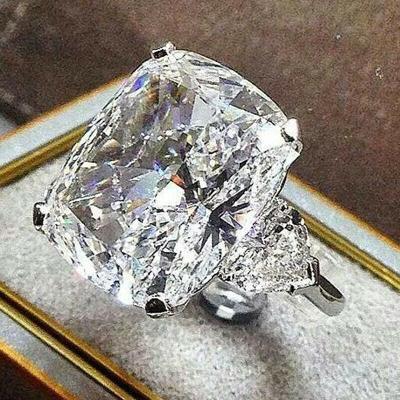 Prsten postříbřený s kamenem white sapphire vel.53