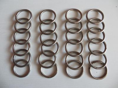 Kroužky kovové, chromované, vhodné na těžké závěsy, 24 ks