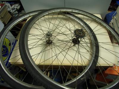 Stará zapletená kola 2ks na historické jízdní kolo Eska a pod.