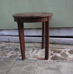 retro kavarenyk stolek