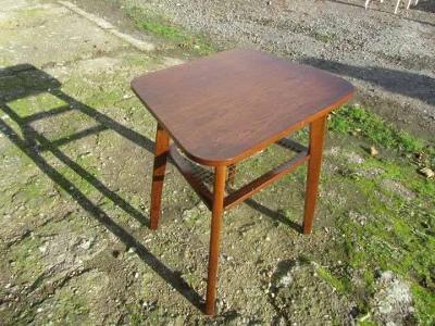 Art-deco zajímavý stolek-Holešov