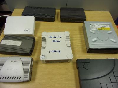 Elektronika směs, Router, DVD mechanika pod.  8ks