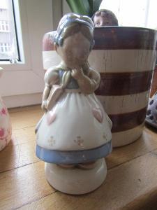Porcelánová holčička značená viz foto