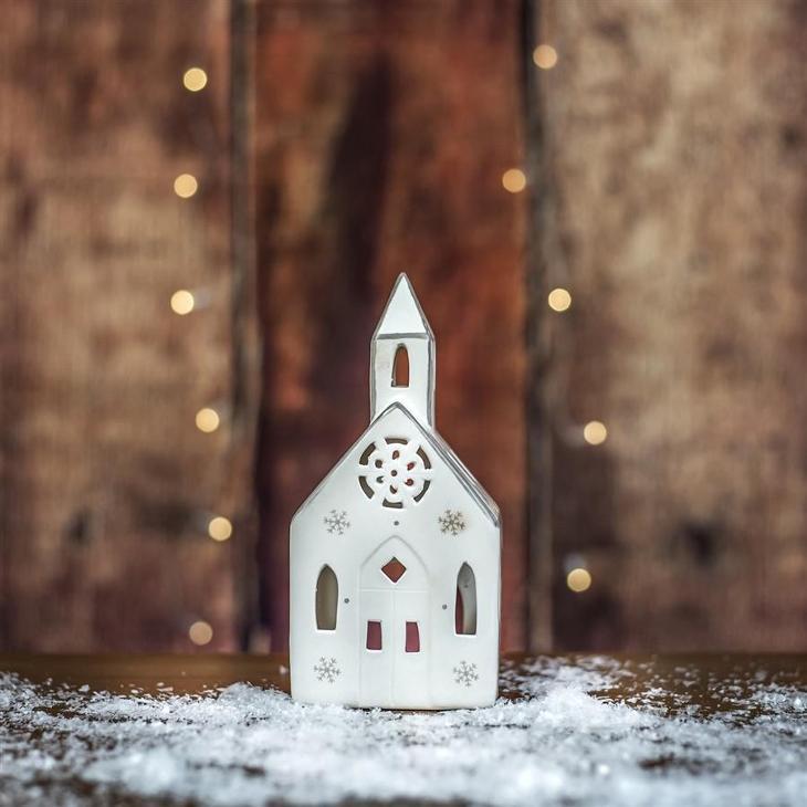 Kostel svícen - Zařízení