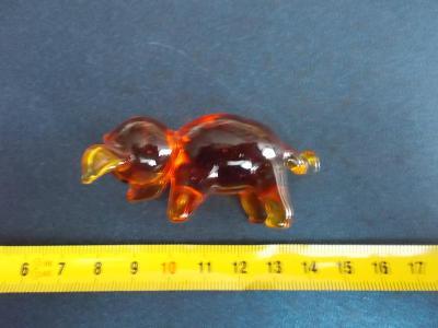 Starožitnost hutní sklo ruční práce figurka prase čuně sele