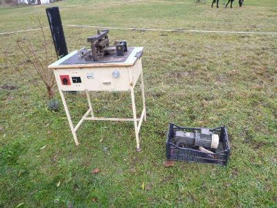 Starý přístroj na stříhání fólií