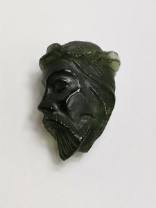 Vltavín glyptika hlava Ježíše