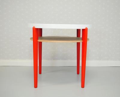 Kulatý stolek po renovaci