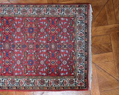 Perský vlněný běhoun. Signovaný. 495 X 75 cm