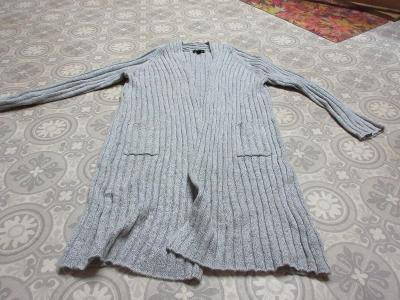 svetr šedý -kabátek dlouhý