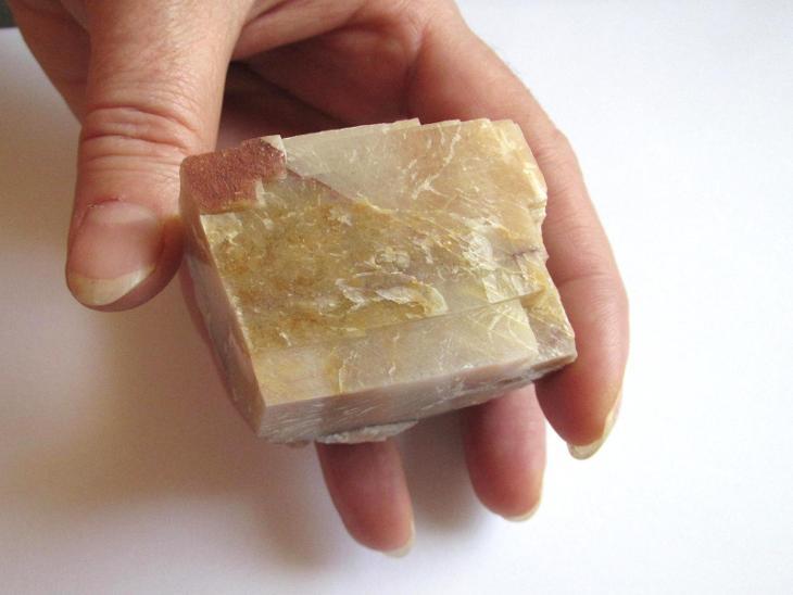 KALCIT - TIŠNOV   - ČR.    (SU 195) - Minerály a zkameněliny