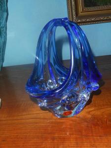 Košíček z hutního skla