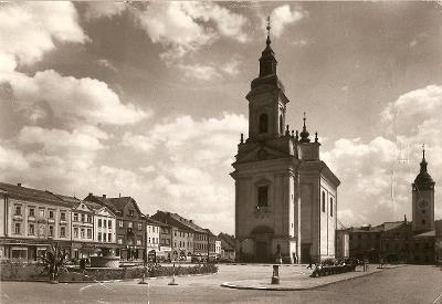 HRANICE - Gottwaldovo náměstí, Kostel Stětí sv. Jana Křtitele - Přerov