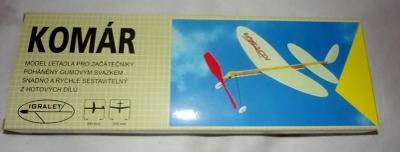 ....Letadlo Komár v krabičce