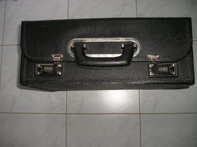 Obchodní kufřík.
